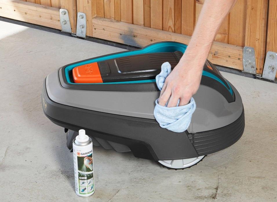 Sada pre údržbu a čistenie robotickej kosačky Gardena