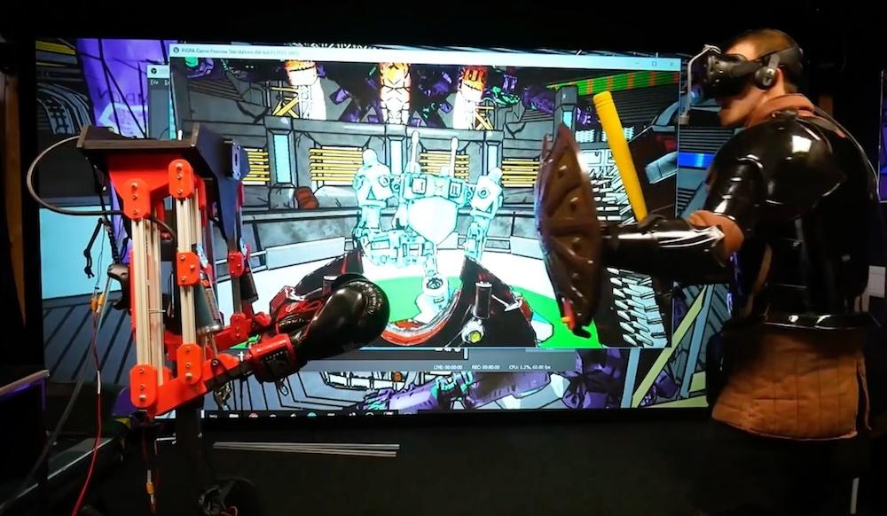 Robot, ktorý vás udrie nielen vo virtuálnom svete, ale aj v tom reálnom
