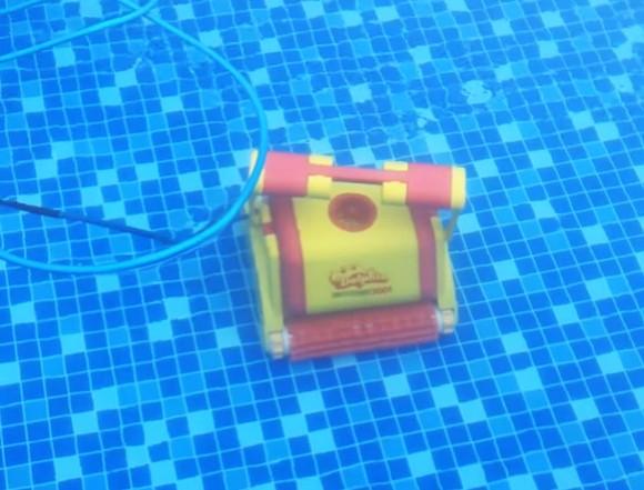 Vlastnosti bazénového vysavače Dolphin 3001