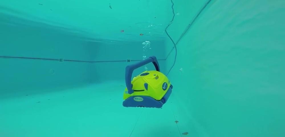 Predstavenie bazénového vysávača Aquabot BRAVO
