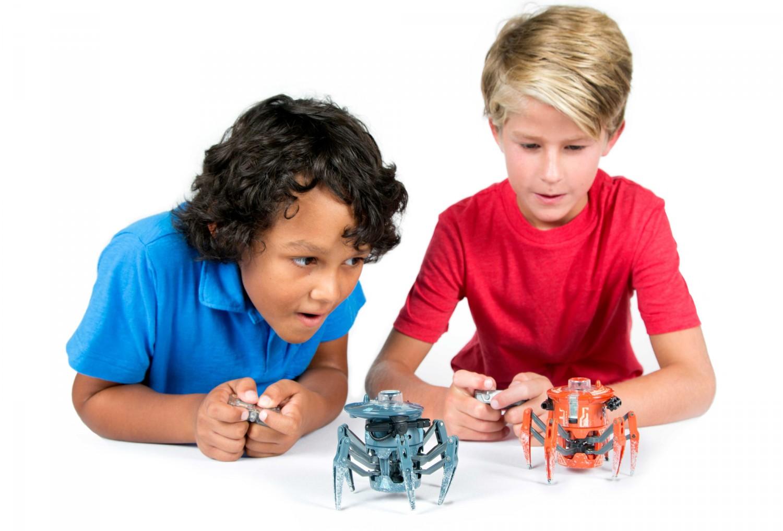 Představení robotické hračky HEXBUG Bojový pavouk 2.0