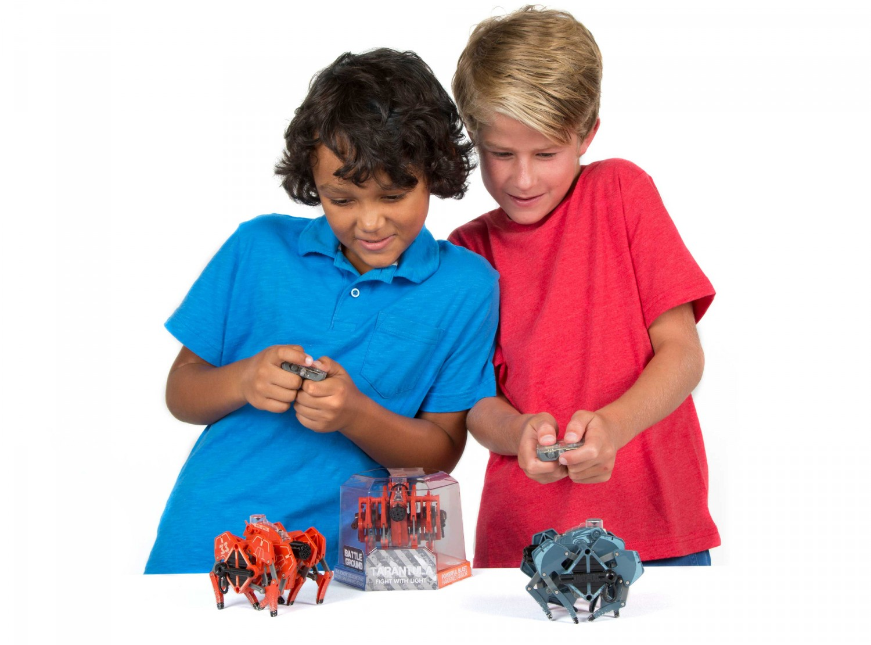 Představení robotické hračky HEXBUG Bojové tarantule - dvojbalení