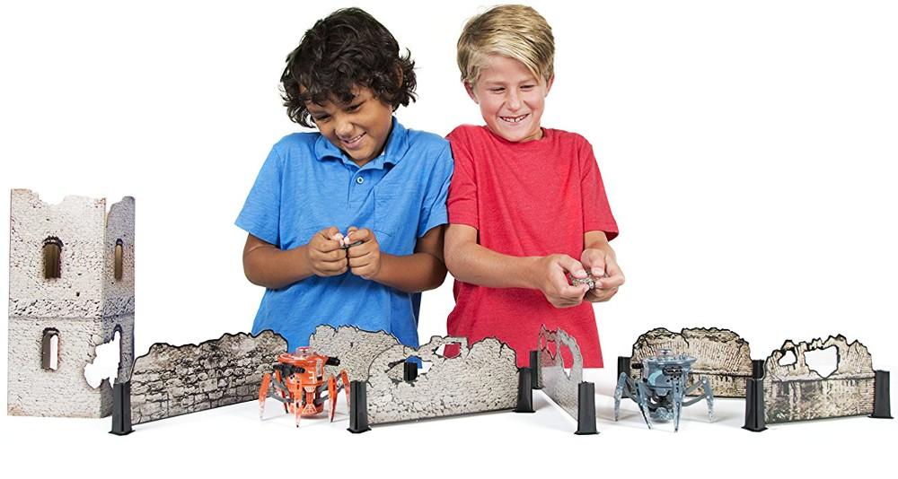 Představení robotické hračky HEXBUG Bojový pavouk 2.0 Tower set