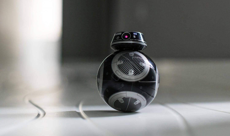 Seznamte se s BB-9E - droidem ovládaným aplikací