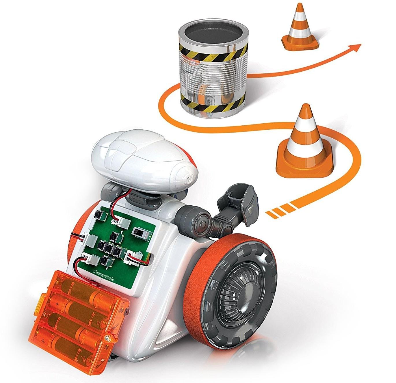 Postavte si robota a naprogramujte mu předem připravenou trasu