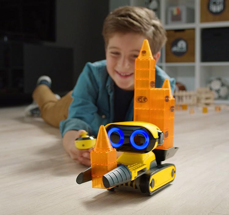 Predstavenie robota WowWee Grip