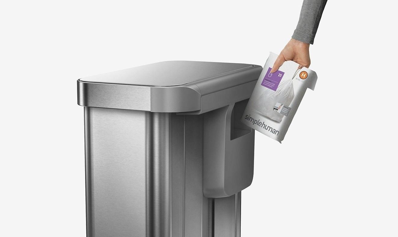 Balenie náhradných odpadkových vriec