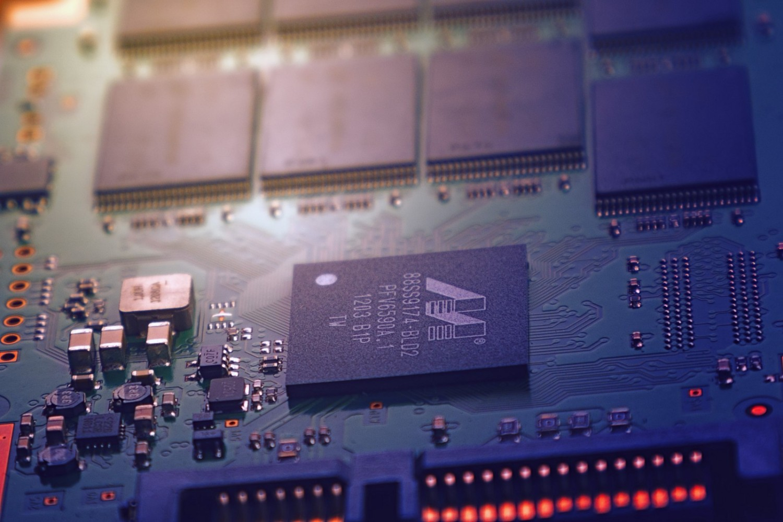 Vylepšený mikroprocesor