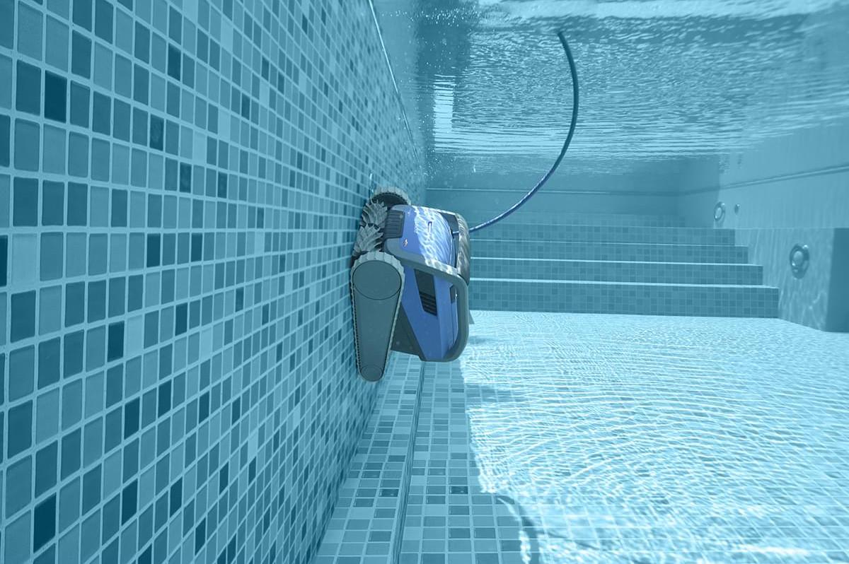 Kompletné pokrytie bazéna