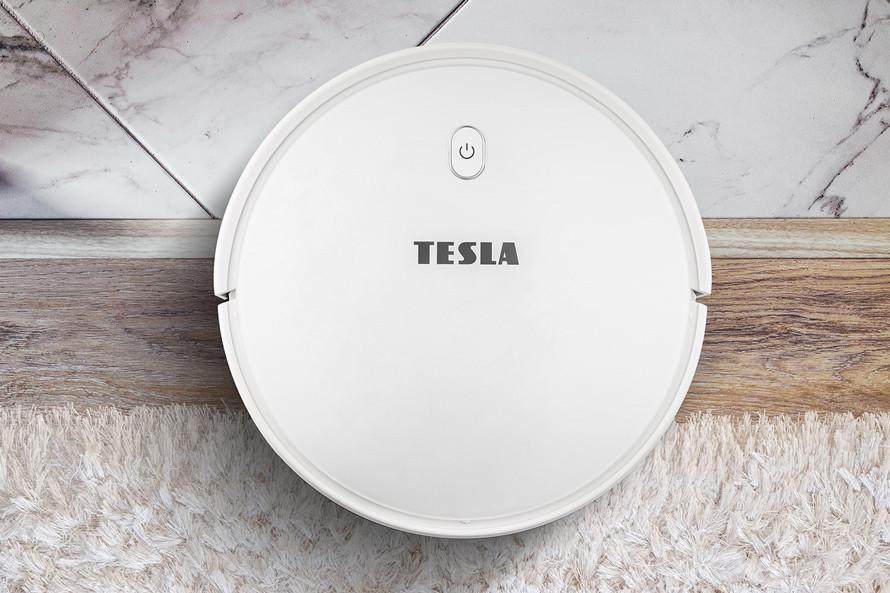 Predstavenie vysávača Tesla RoboStar iQ300